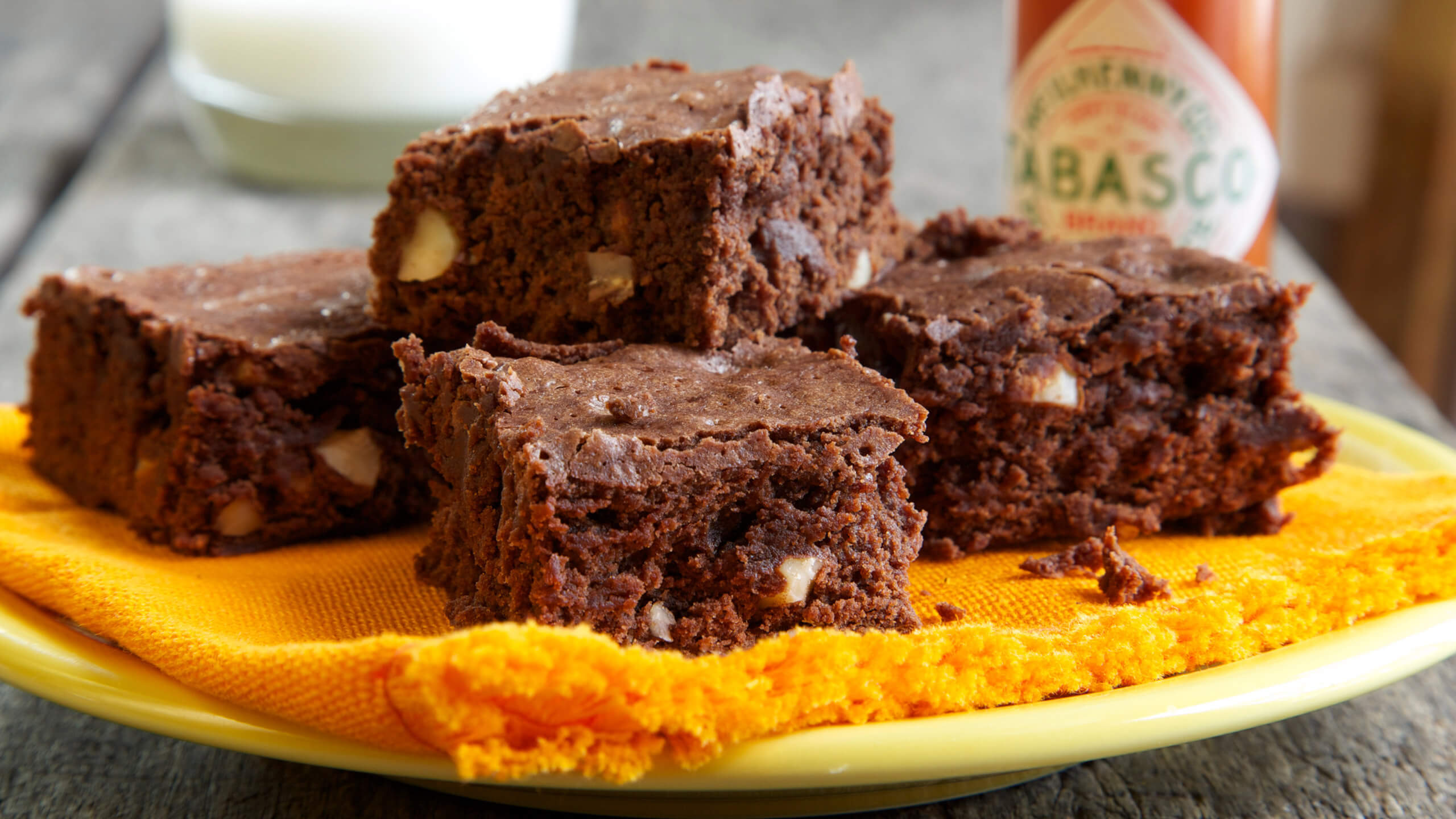Spicy Almond Brownies