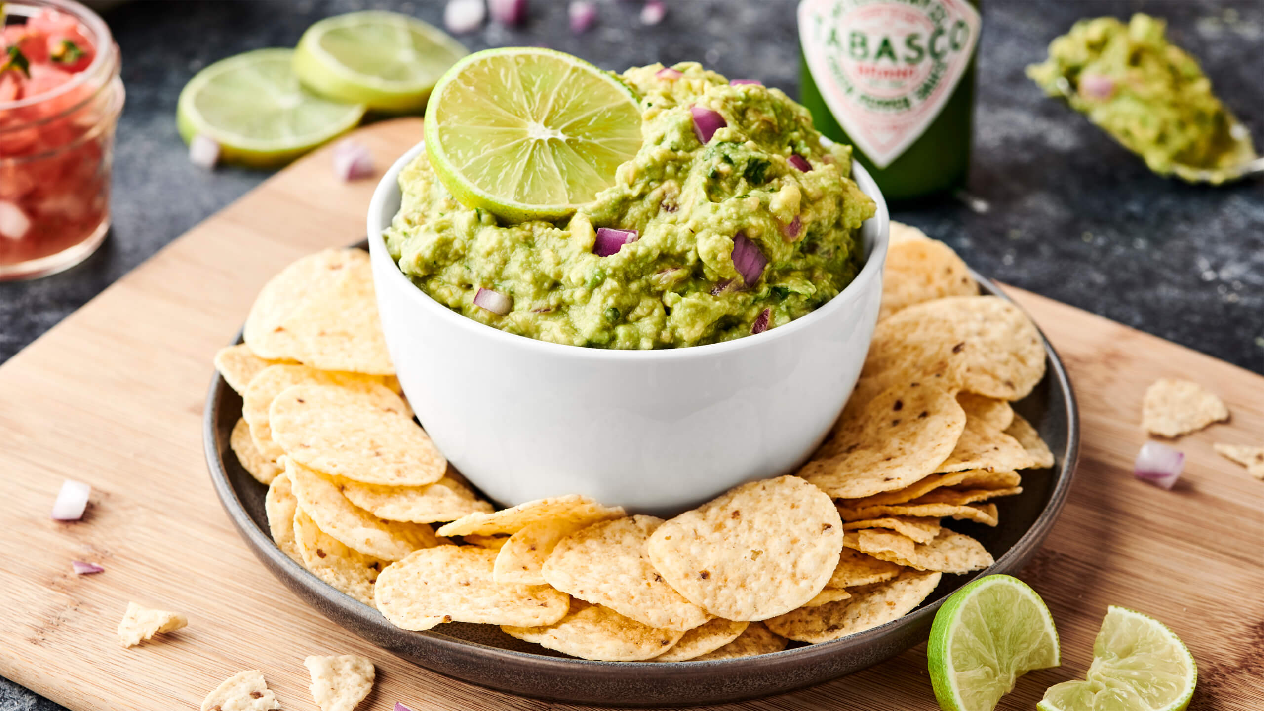 Easy Spicy Green Guacamole Recipe